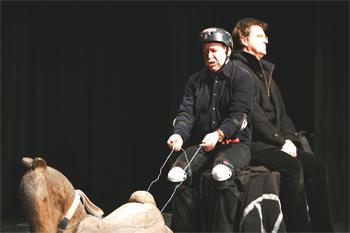А.П.Чехов «Тысяча и одна страсть, или руководство для желающих жениться», УниТеатр», 2009 г. , Бэно Аксёнов (Bäno Axionov) и Райнер Евен (Reiner Ewen)