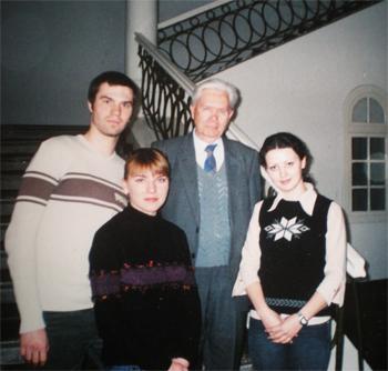 В.Д. Седегов со студентами ТГПИ